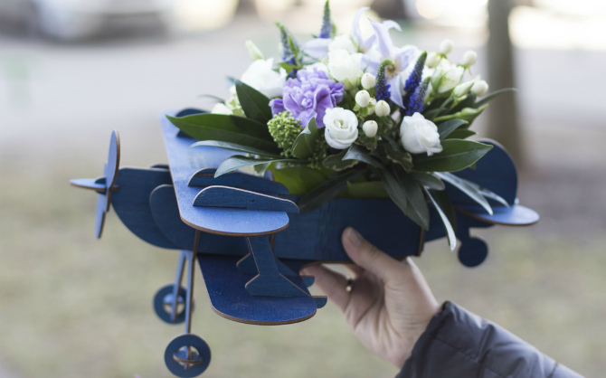 Можно ли перевозить букет цветов в самолете