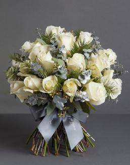 Chic white bouquet | Dutch roses flowers