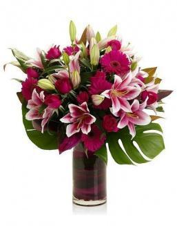 Bouquet of 15 red lilies | Carnations,lilies