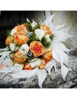 Bouquet of 25 roses: carrot and white | White roses