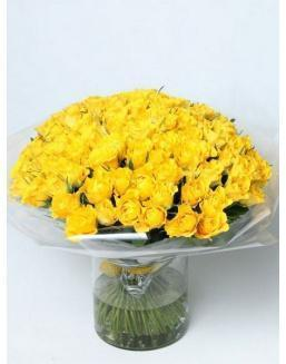 Bouquet of 101 yellow rose bushes | Flowers on Anniversary flowers