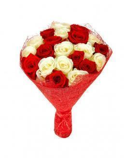 Bouquet of 21 red and white roses mixed | Flowers on Anniversary flowers