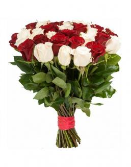 Bouquet of 33 red and white roses mixed | Flowers on Anniversary flowers